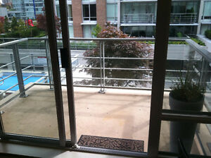 Luxury One Bedroom+Den Downtown (partially furnished or not)