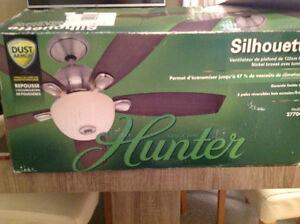Ventilateur flambant neuf 40$