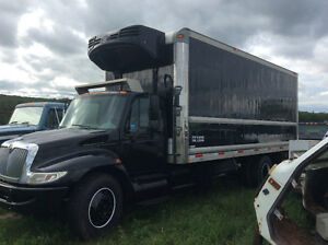 Black 2008 International 4300 Reefer Truck 4x2 -AUTOMATIC!