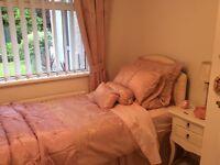 Pink bedding set