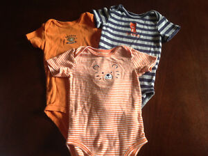 Carter's onesies size 18 months