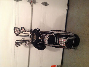 Woman's Full Golf set and bag - Sac de golf complet pour femme West Island Greater Montréal image 3