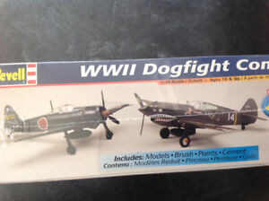 2 model kits Japanese Zero + Curtiss  P 40B Warhawk