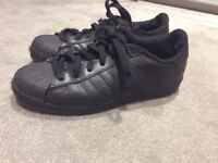 Adidas superstars size 6