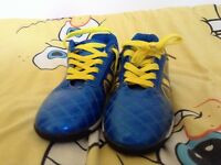 Size 5 Astro turf boots