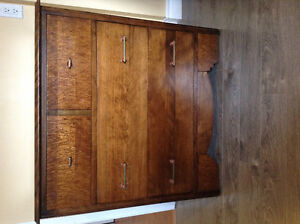 2 dressers & double bed