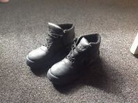 mens workboots sz 9