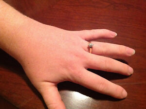 Cluster gold ring