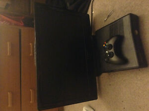 Xbox 360 with 24 in tv