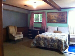 Room for Rent in Niagara Falls with Shared Bathroom