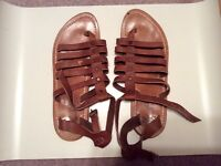 Sz 8 K Jacques St. Tropez leather gladiator sandals