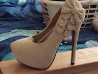 Nude ladies shoes