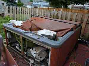Hot tub is free for pickup Cambridge Kitchener Area image 4