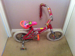 Girls Pink bike 12 size (for 3-4 yr old) training wheels