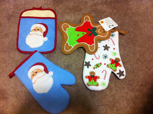 Holiday Themed Oven Mitts