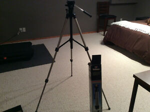 Easy To Use Camera/Camcorder Tripod