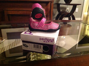Pediped pink sparkly shoes size child's 5 Kitchener / Waterloo Kitchener Area image 1