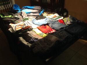 Lot de vêtements pour garçon 7-8 ans