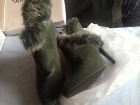 Size 4 green boots