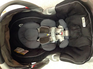 Graco Snugride 35 with base