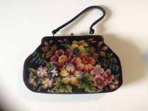 VINTAGE MIDCENTURY NEEDLEPOINT HANDBAG PURSE