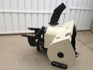 CubCadet 450 2 stage snow blower London Ontario image 3