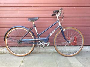 Vintage Ladies Bicycle - Small Rider !