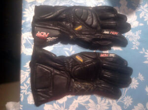 Brand New Kevlar M size Riding Gloves