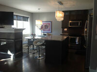 Signal Hill SW Townhome- 10 Minute Train Downtown