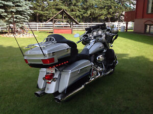 CVO ULTRA CLASSIC ELECTRA GLIDE HARLEY..... JUST REDUCED