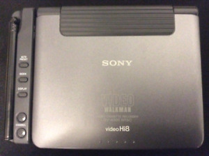 Sony hi-8 video Walkman with Tv tuner (very very very rare)