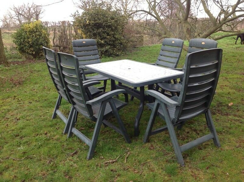 Hartman Prestige Garden Table And 6 Reclining Chairs In