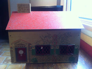 1940's Doll House metal windows and door must see!