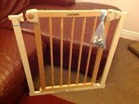 Lindam baby gate, stair gate, safety gate.