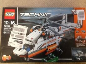 Brand new-LEGO Technic Heavy Lift Helicopter Ref: 42052 ages 10-16