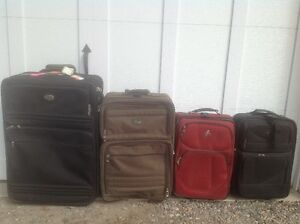 Valise   20$  chaque