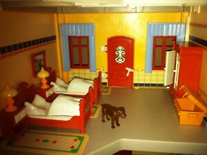 Playmobil Victorian Mansion - with furniture and poeple West Island Greater Montréal image 5