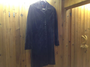 DANIER DARK BROWN SUEDE COAT WITH EMROIDERED DESIGN