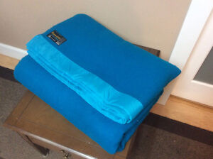 turquoise blue 100% wood blanket by Sommeild'Or (queen size)