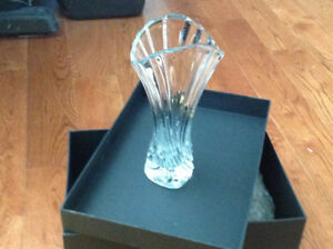 majestic elegant crystal vase with a stylish shape & design