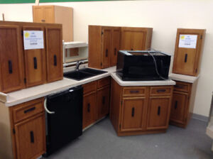 Small Oak Kitchen with Microwave Oven