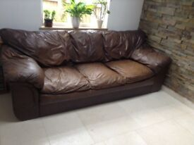 BROWN LEATHER SOFA /Settee large
