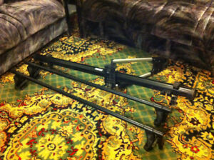 Roof Rack THULE, Universal, New Condition ,With Key and lock