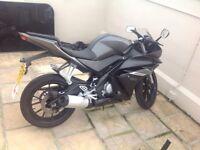 Yamaha YZF 125 Motorbike - Basically Brand New