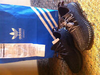 Yeezy boost black size 6 (men)