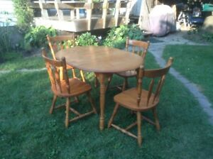 Solid Maple Dining Room Table + 4 Matching Chairs