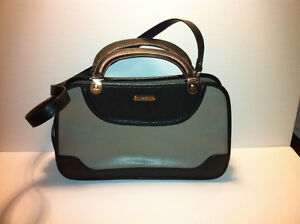 Nine West purse / satchel - rarely used. Great condition.