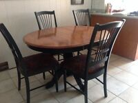 Dinning  Table with 6 matching chairs