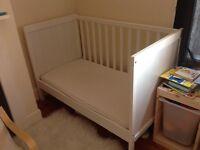 White IKEA SUNDVIK cotbed with mattress VGC