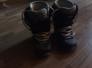 Thirtytwo Snowboard Boots Size 9 Cambridge Kitchener Area image 1